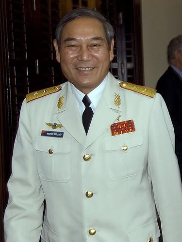 """Phai chang Khong quan Viet Nam """"ngang ngua"""" voi KQ My-Hinh-4"""