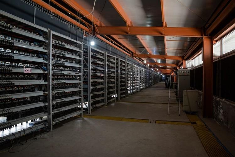 Mo Bitcoin lon nhat TG: Ngay thu 7 trieu USD, tien dien 39.000 USD-Hinh-2