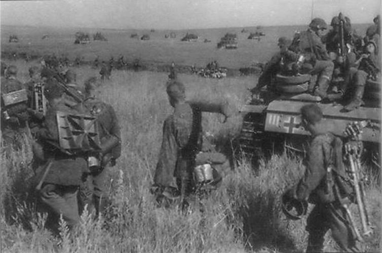 Bo binh co gioi: Vu khi uu viet cua Duc trong CTTG 2-Hinh-10