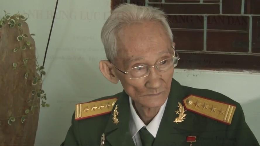 """Giai ma tran danh """"chan dong dia cau"""" cua dac cong rung Sac-Hinh-11"""