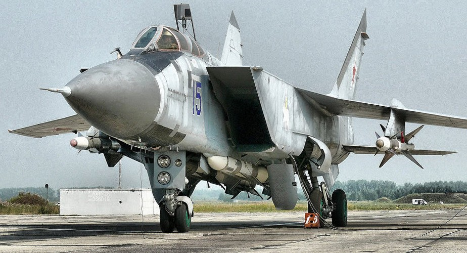 Kham pha bi mat noi hien dai hoa sieu co MiG-31-Hinh-12