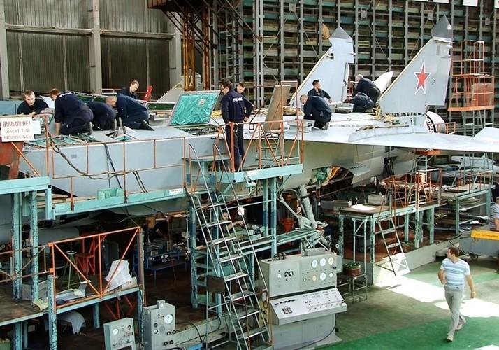 Kham pha bi mat noi hien dai hoa sieu co MiG-31-Hinh-2