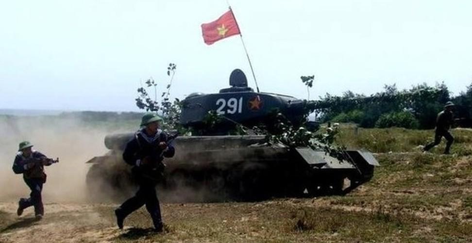 Chiec xe tang dau tien cua Quan doi Nhan Dan Viet Nam-Hinh-12