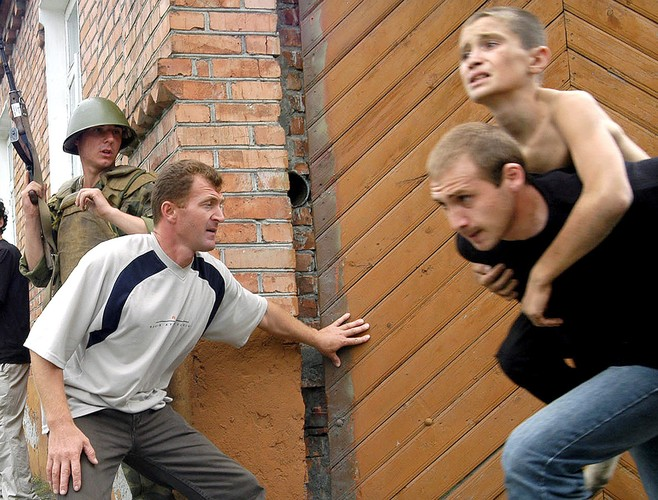 Tham kich vu khung bo Beslan sau 13 nam nhin lai-Hinh-12