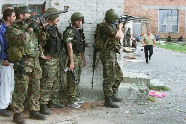 Tham kich vu khung bo Beslan sau 13 nam nhin lai-Hinh-4