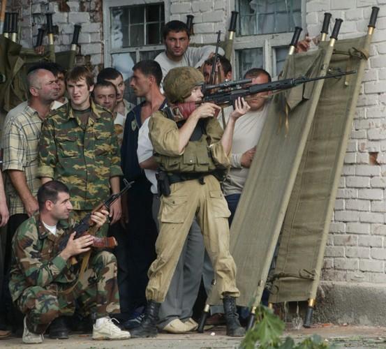 Tham kich vu khung bo Beslan sau 13 nam nhin lai-Hinh-5