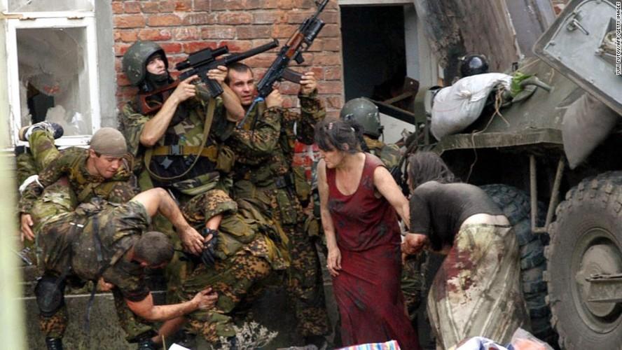 Tham kich vu khung bo Beslan sau 13 nam nhin lai-Hinh-6