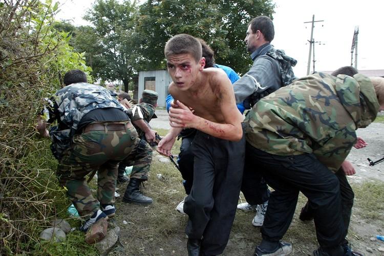 Tham kich vu khung bo Beslan sau 13 nam nhin lai-Hinh-9
