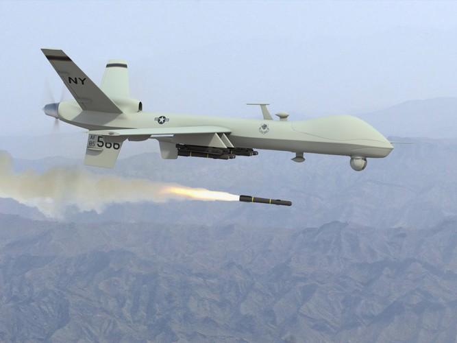 """Phap """"dua doi"""" cac anh lon, muon trang bi UAV tan cong"""