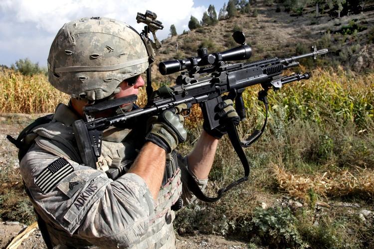 Mk 14 EBR sung truong ban tia yeu thich cua TQLC My