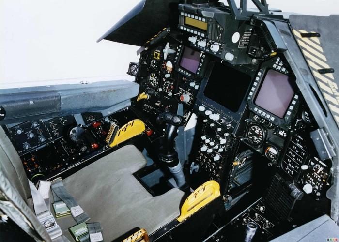 Nghi van My tai trang bi tiem kich tang hinh F-117-Hinh-4
