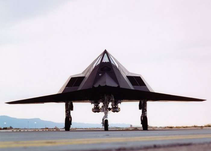 Nghi van My tai trang bi tiem kich tang hinh F-117-Hinh-5