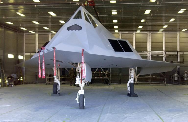 Nghi van My tai trang bi tiem kich tang hinh F-117-Hinh-7