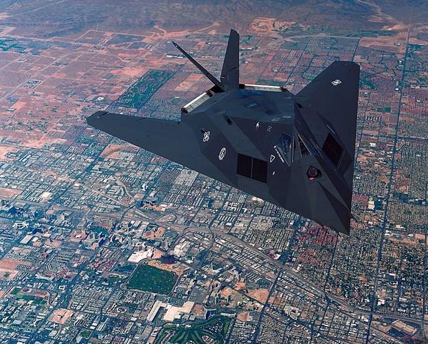 Nghi van My tai trang bi tiem kich tang hinh F-117-Hinh-8