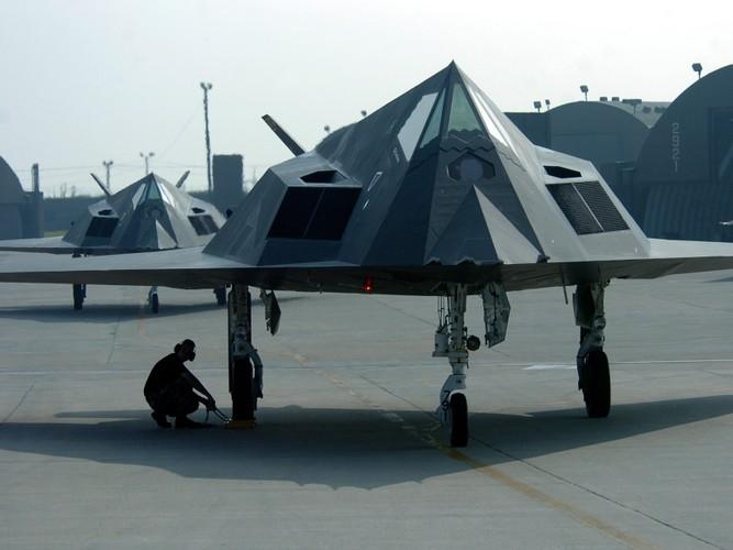 Nghi van My tai trang bi tiem kich tang hinh F-117-Hinh-9