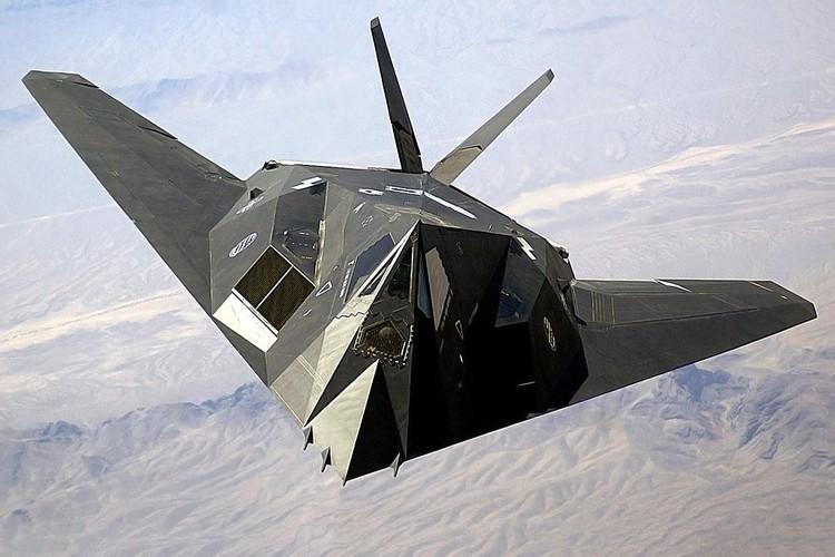 Nghi van My tai trang bi tiem kich tang hinh F-117