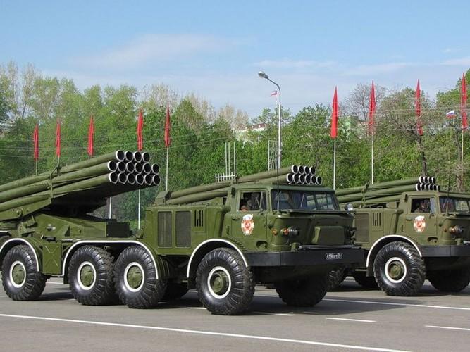 Quan doi Syria mang BM-27 Uranga ra ban IS o Deir Ezzor-Hinh-11
