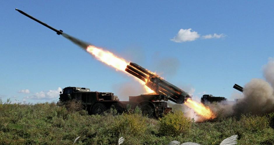 Quan doi Syria mang BM-27 Uranga ra ban IS o Deir Ezzor-Hinh-9