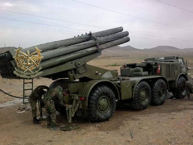 Quan doi Syria mang BM-27 Uranga ra ban IS o Deir Ezzor-Hinh-10