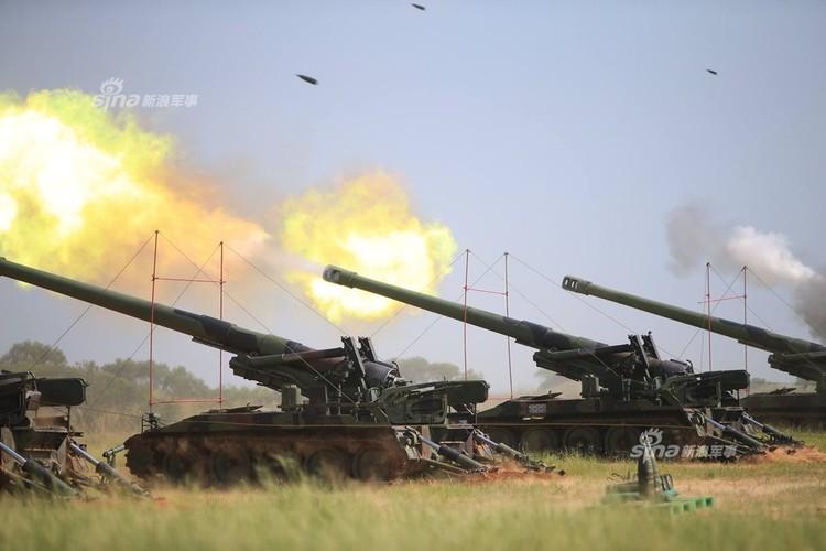 Tron mat xem Dai Loan tap tran phao binh cuc khung-Hinh-3