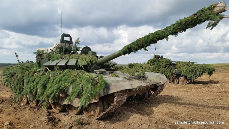 T-72B3 mod 2016 lan dau thuc chien ngay sat bien gioi NATO-Hinh-5