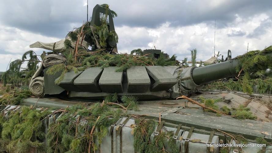 T-72B3 mod 2016 lan dau thuc chien ngay sat bien gioi NATO-Hinh-6