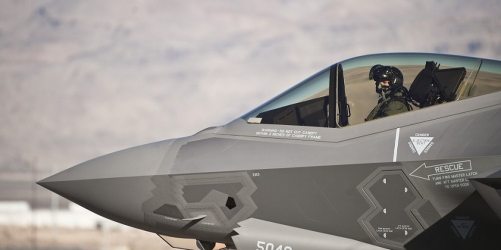 Be boi F-35: Cai ghe lam 22 phi cong My thuong vong-Hinh-3