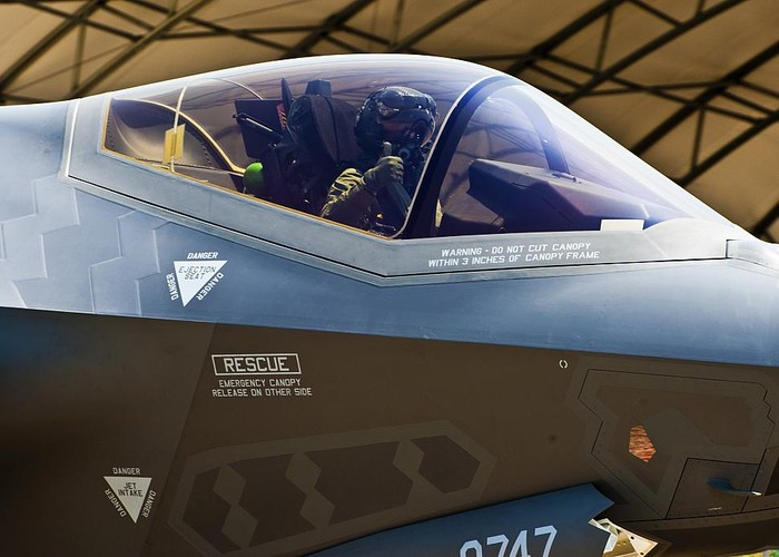 Be boi F-35: Cai ghe lam 22 phi cong My thuong vong-Hinh-9