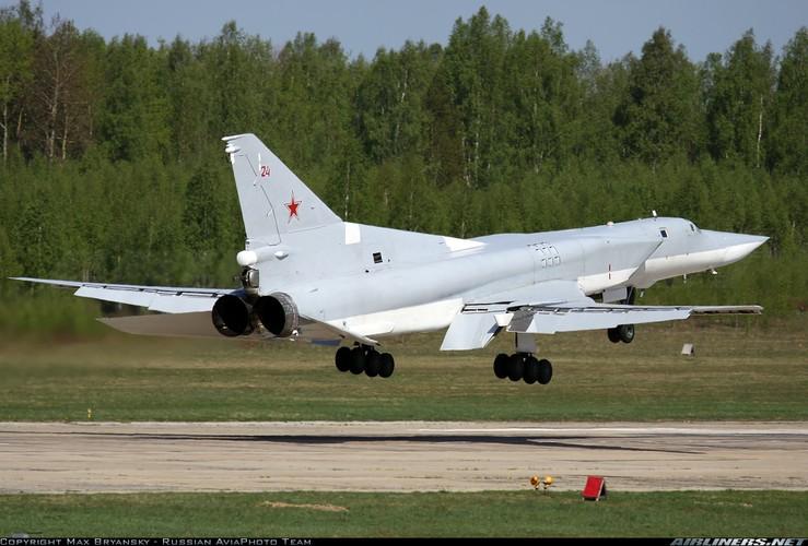 Nhan dien oanh tac co Nga vua khien NATO so xanh mat-Hinh-2