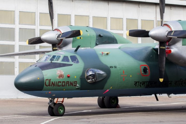 Ukraine tan trang so An-32, ban lai voi gia 15 trieu USD