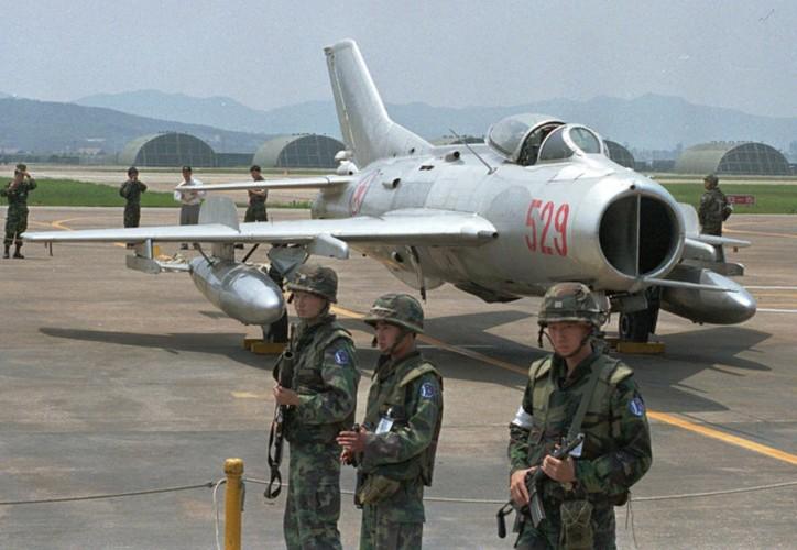 Bat ngo danh tinh phi cong giup Han Quoc nam thop Trieu Tien-Hinh-2