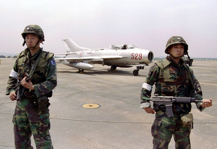 Bat ngo danh tinh phi cong giup Han Quoc nam thop Trieu Tien-Hinh-4