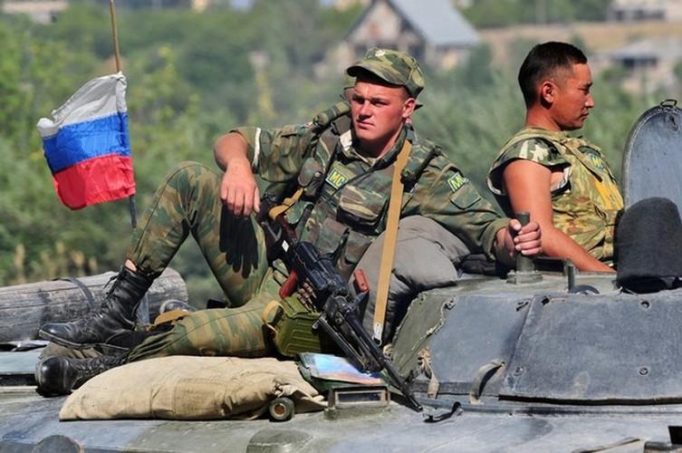 Chien tranh Gruzia: Quan doi Nga mang on NATO-Hinh-6