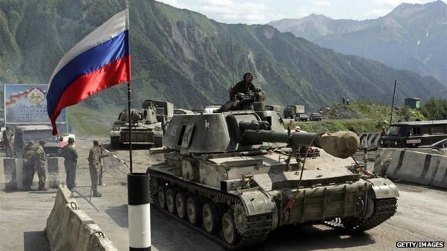 Chien tranh Gruzia: Quan doi Nga mang on NATO-Hinh-7