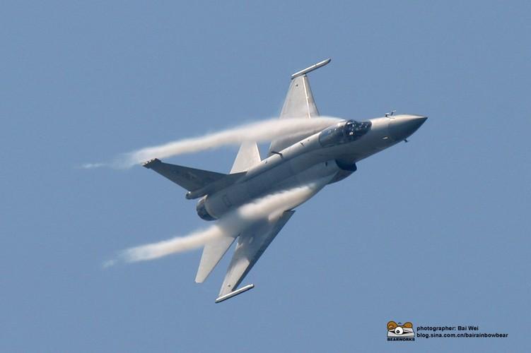 "Tien kich JF-17: Chuan NATO nhung gia hang ""cho"" cua Trung Quoc-Hinh-10"