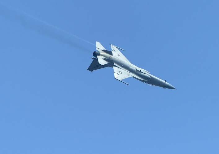 "Tien kich JF-17: Chuan NATO nhung gia hang ""cho"" cua Trung Quoc-Hinh-4"