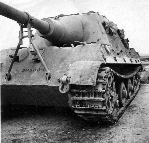 Vi sao sieu phao diet tang Jagdtiger cua Duc tham bai trong CTTG 2?-Hinh-4