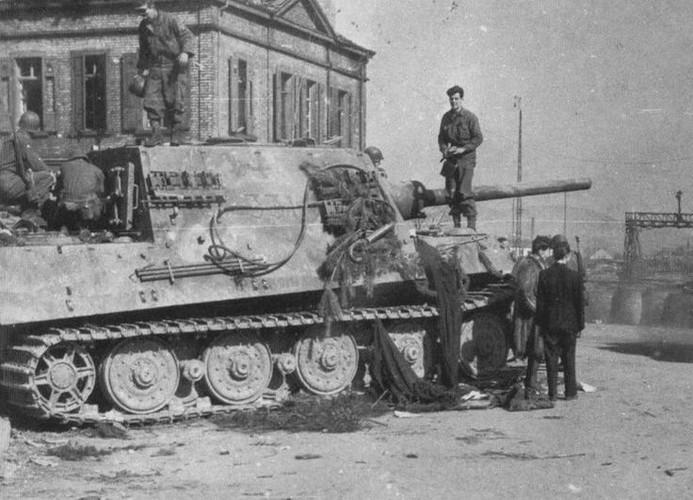 Vi sao sieu phao diet tang Jagdtiger cua Duc tham bai trong CTTG 2?-Hinh-8