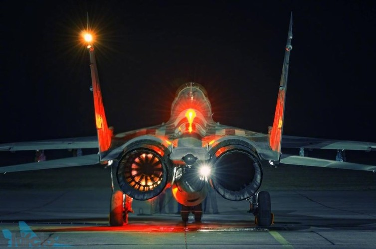 "Can canh ""trai tim"" cua chien dau co huyen thoai MiG-29-Hinh-4"