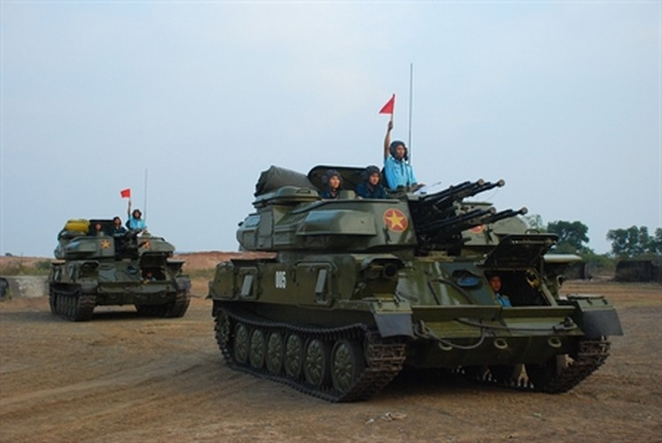 "Soi ""luoi lua"" tao nen suc manh phong khong Viet Nam-Hinh-17"