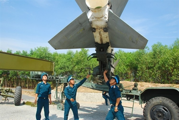 "Soi ""luoi lua"" tao nen suc manh phong khong Viet Nam-Hinh-2"