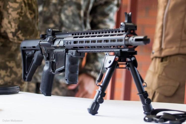 "Quan doi Ukraine ""thay mau"", thay luon ca AK-74-Hinh-2"