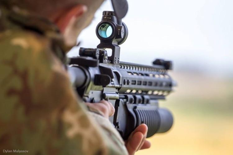 "Quan doi Ukraine ""thay mau"", thay luon ca AK-74-Hinh-7"