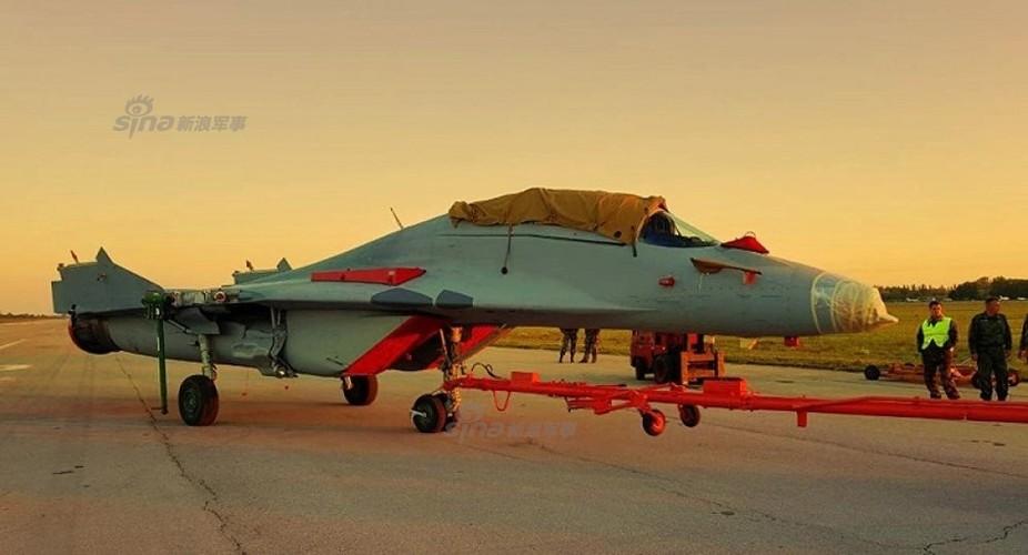 "Muc kich canh Nga ""cho khong"" Serbia chien dau co MiG-29"