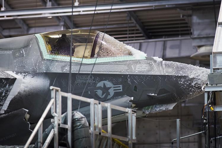 Loi the bat ngo cua F-35 truoc may bay Nga tai Bac Cuc-Hinh-2