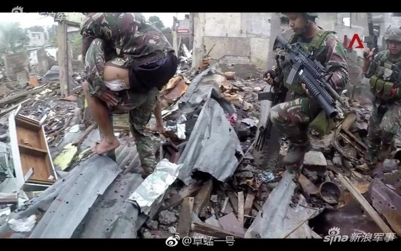 Nhung hinh anh dau tien ben trong Marawi, khi sach bong IS-Hinh-10