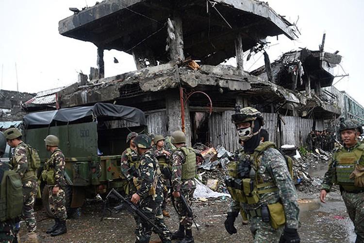 Nhung hinh anh dau tien ben trong Marawi, khi sach bong IS-Hinh-2