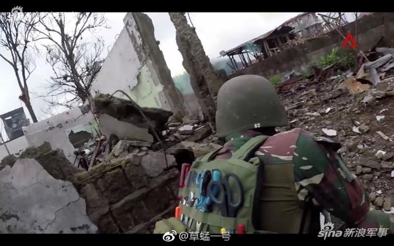 Nhung hinh anh dau tien ben trong Marawi, khi sach bong IS-Hinh-9