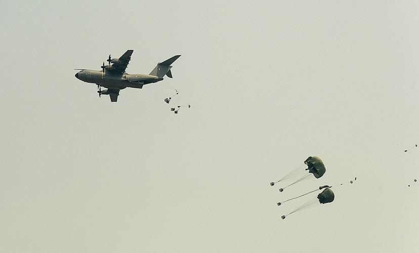 """On troi: Sau 52 nam C-130 da tim duoc ke """"noi doi""""-Hinh-6"""