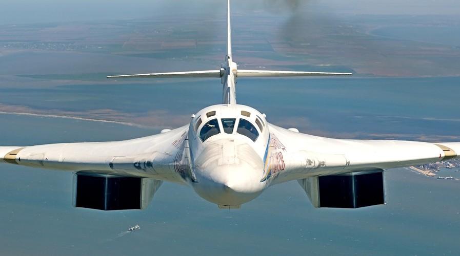 """Dung hoi Nga bao gio moi thay the """"Thien nga trang"""" Tu-160"""